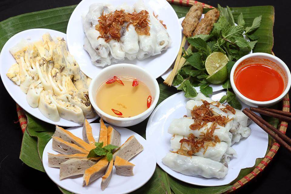 Vietnamese dishes in world's top 100 famous foods - DINA Tour & Travel