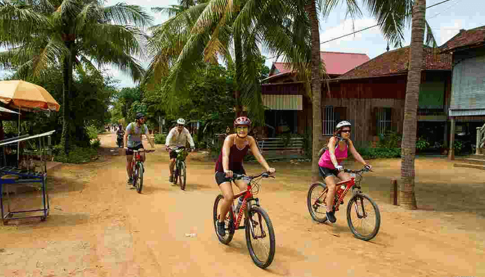 Discover Lanna village by cycling